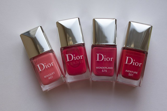 07 Dior 575 Wonderland cpmparison swatches