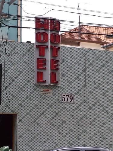 (H/M)otel