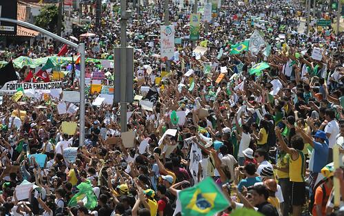 Movimento Acorda Brasil