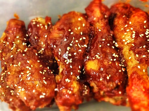 Double deep-frying korean fried chicken