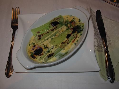 Selleriestangen in Blauschimmel-Buttermilch-Soße (in Holtmanns Restaurant in Rheine)