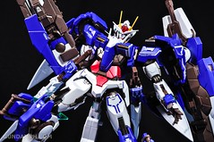 Metal Build 00 Gundam 7 Sword and MB 0 Raiser Review Unboxing (120)