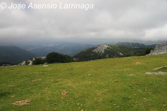 Mirando al Altipitatx y la zona de Orozko #DePaseoConLarri #Photography  95