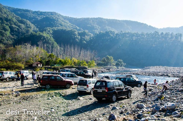 Tata Safari on river bed 4 wheel drive