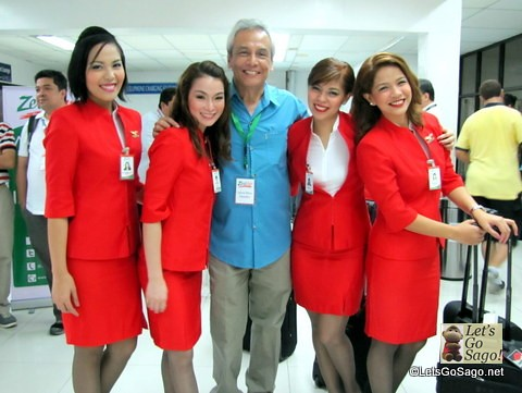 Celebrity, Singer and Advocate Jim Paredes with Zest Air Flight Attendants
