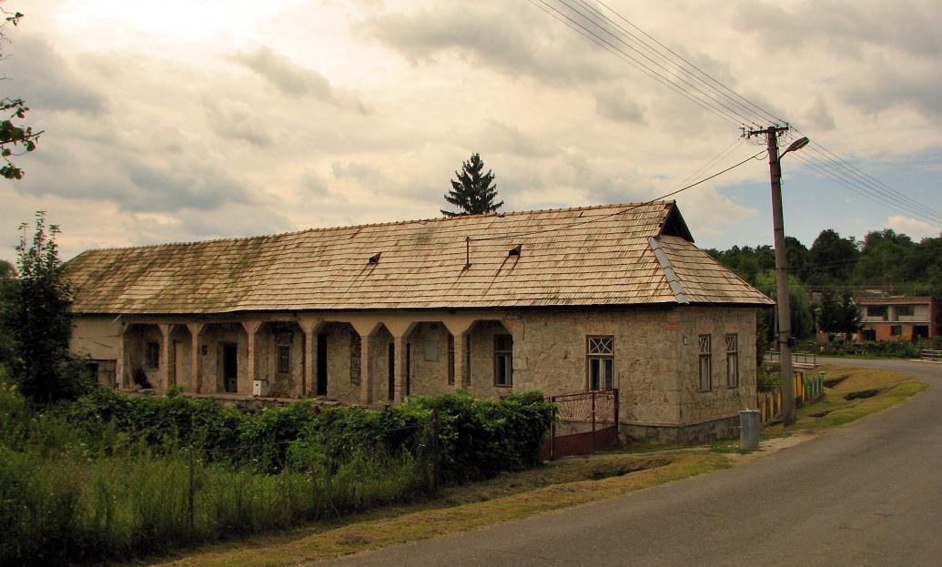Dom v M. Stracinách