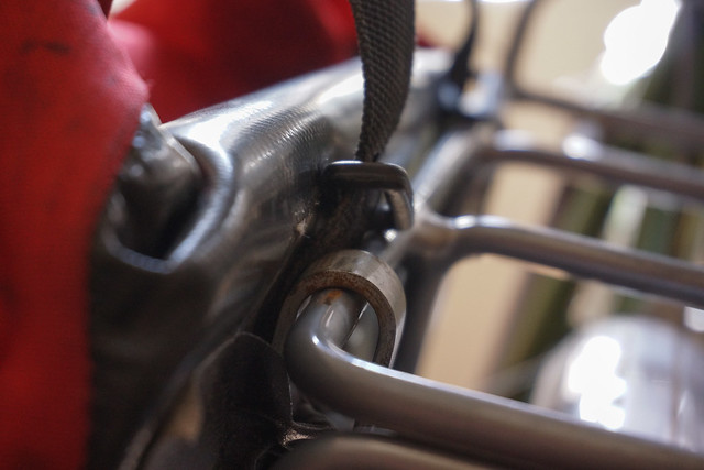 Crosso pannier rack attachment hooks
