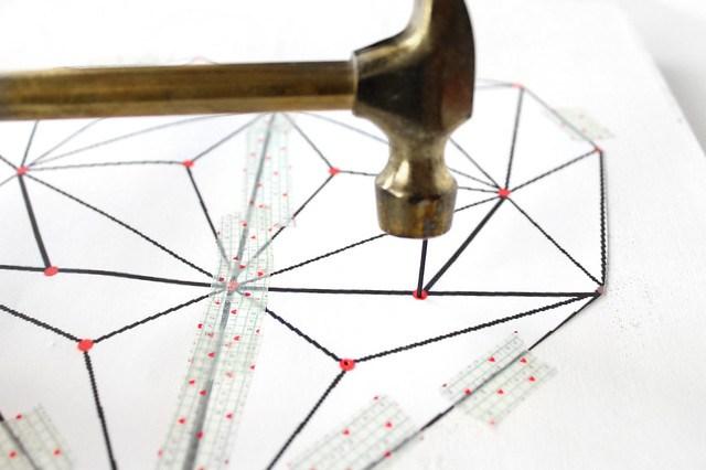 DIY geometric heart string art 05