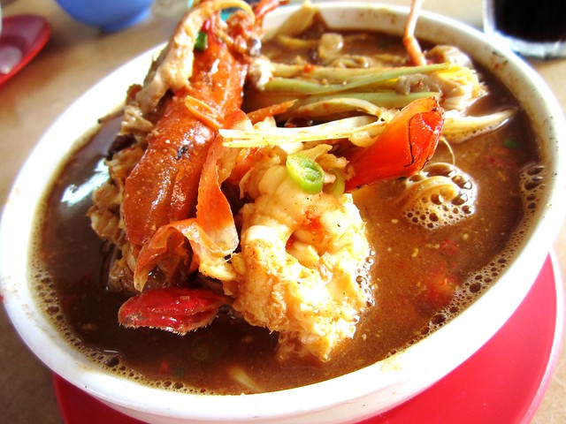 Sarikei tom yam prawn noodles 1
