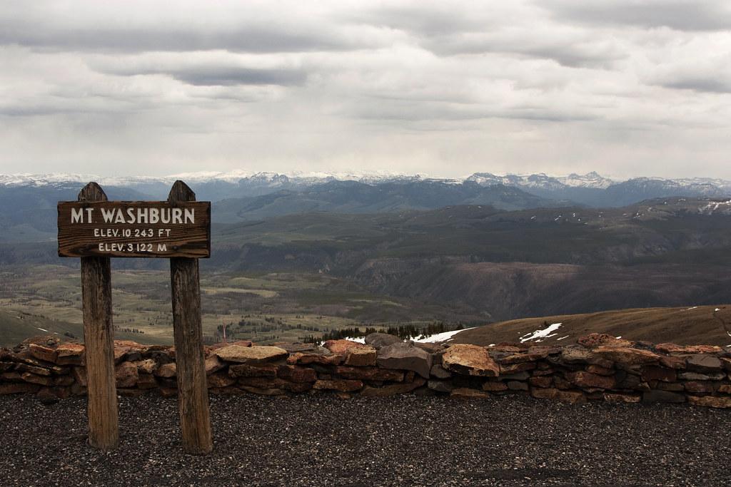 Mt Washburn Summit