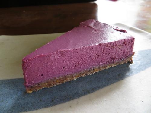 mixed berry raw vegan cheesecake