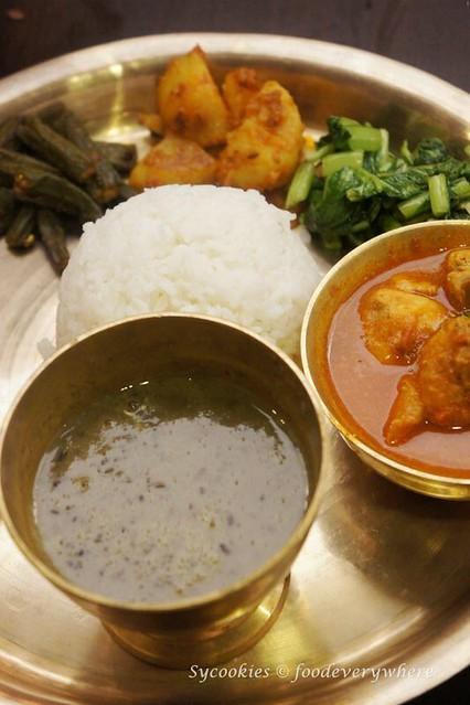 11.nepal restaurant- Khukurako Masu Ra Bhat (2)