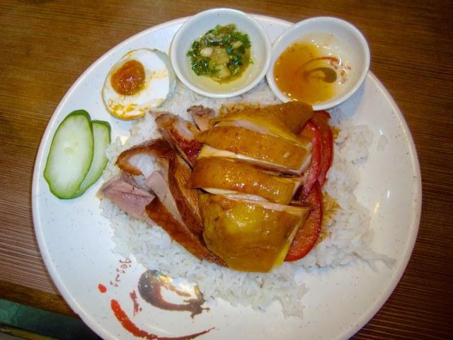 Roasted Goose Four Treasures Rice Set (Roasted Goose + Hainanese Chicken + Sausage + Salted Egg)