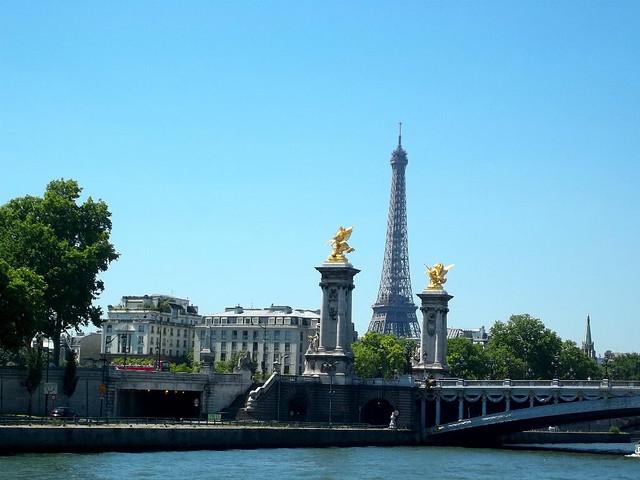 Torre Eiffel desde el río