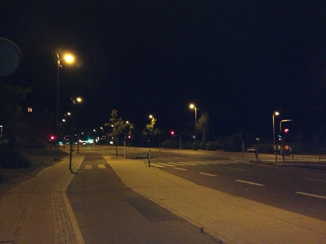 (Almost) Empty street at midnight