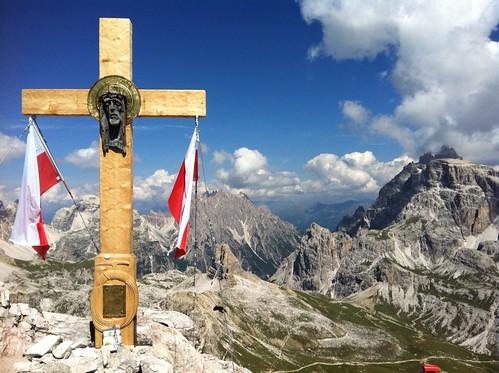Das neue Gipfelkreuz (Jahr 2013) am Paternkofel 2.744 m