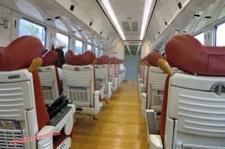 CIMG1048 Limited express Sonic (Fukuoka-Beppu) 13-07-2010 copia
