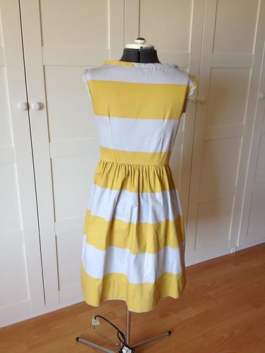yellow stripe 9929 back view