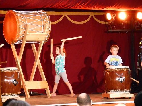 Little kids / big drums