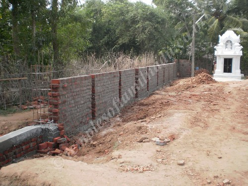 Compund wall being built, Mannipallam