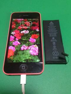 94_iPhone5Cのフロントパネルガラス割れ&バッテリー交換