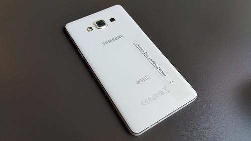 Samsung Galaxy A7 ด้านหลัง
