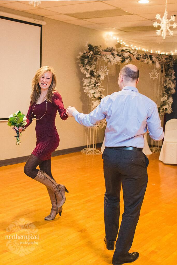 Garter & Bouquet Catchers Dance