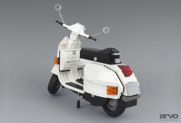 P200 Moto Back