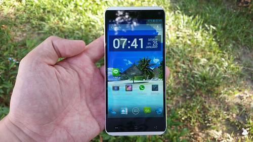 i-mobile IQX Octo ด้านหน้า