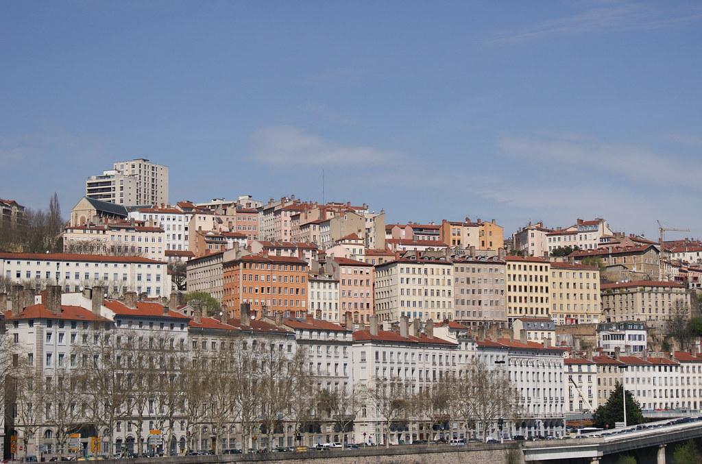 Croix-Rousse depuis les berges du Rhône