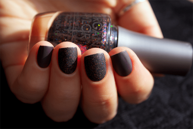 09-sin-nails-china-glaze-charmed-im-sure-morgan-taylor-new-york-state-of-mind