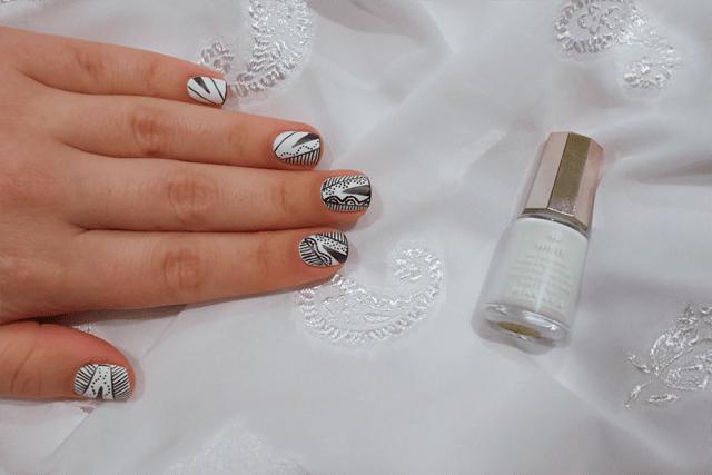 02-esher-graphic-nails-mavala-white