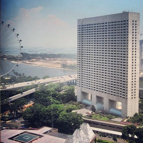 Ritz Carleton & The #singapore flyer by @MySoDotCom