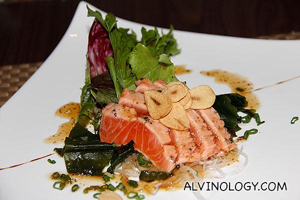 Fusion sashimi salad for starter