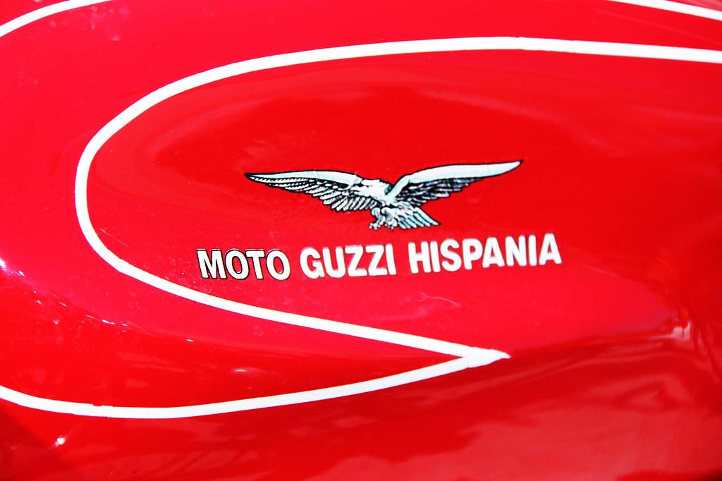 Imagen gratis del depósito de gasolina de una moto Guzzi