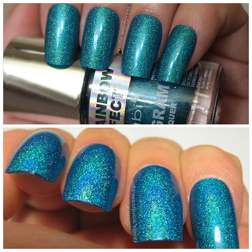 Shared this on the blog today. Really scattered but still very pretty in its own way #nabi#3Drainboweffect#holo#holographic#oceanblue#nailpolish#nailaddict