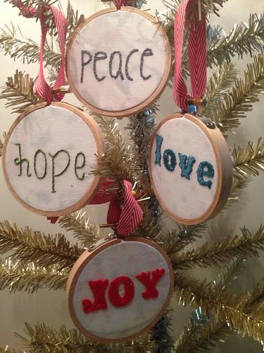 Felt Christmas hoop ornament set