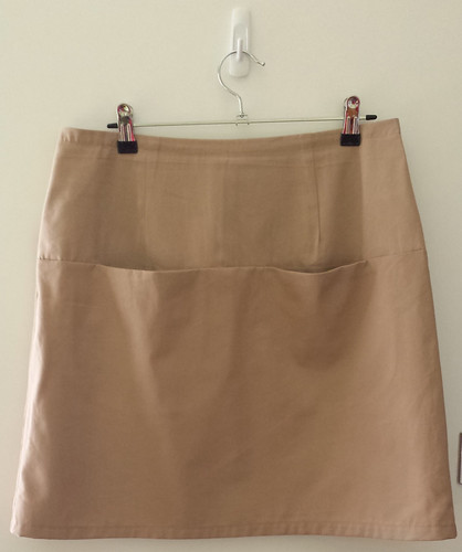 Vogue 1247 skirt - front
