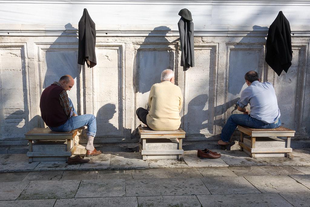 Washing ritual outside the Süleymaniye Mosque.