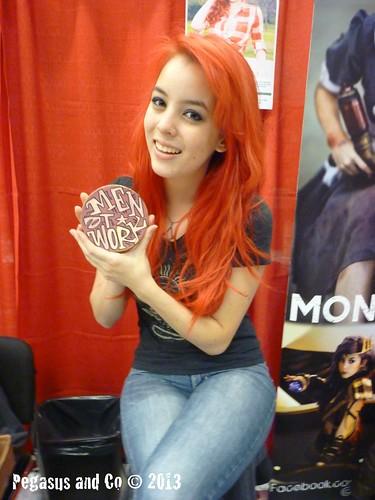 Monika Lee :: Comiccon de Montréal 2013 :: she loves Men at Work by Pegasus & Co