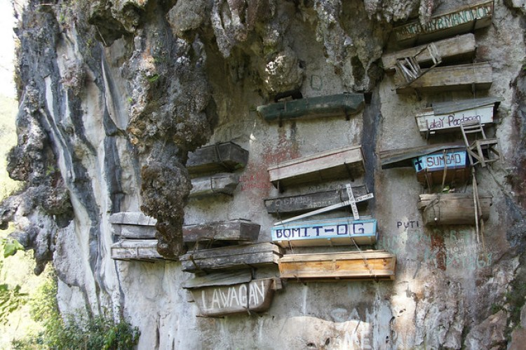 Sagada - Hanging Coffins in Echo Valley