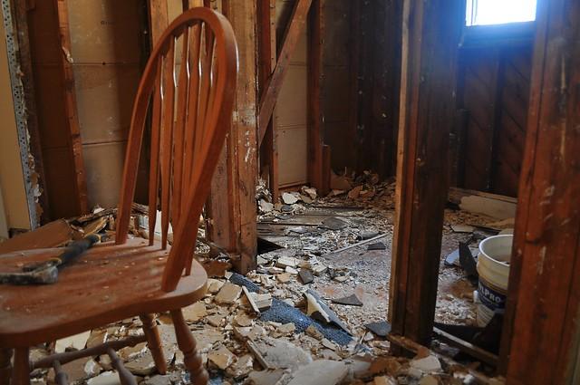 2012-02-05 Bathroom demolition 06