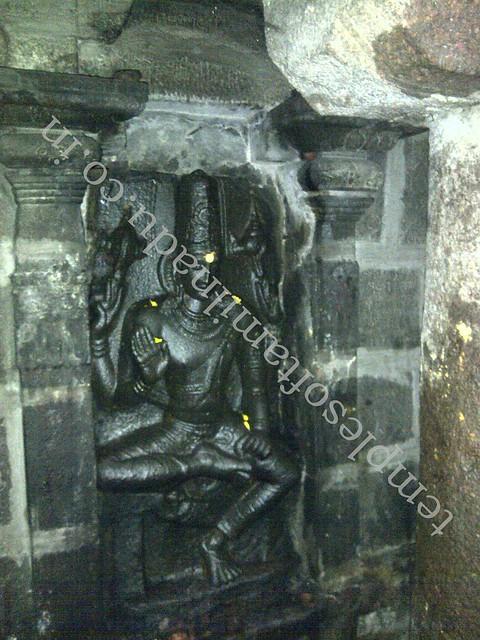 Vishnu in place of Lingothbavar. Jalanatheswarar temple, Thakkolam