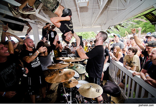 Adam Jarvis of Pig Destroyer performing at Gwar-B-Q