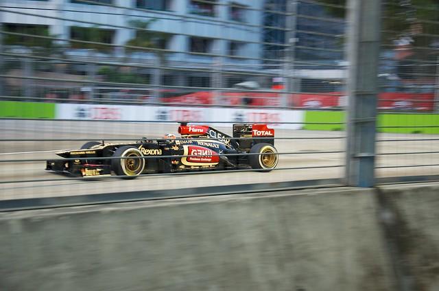 Singapore GP 2013 P3 at Turn 9