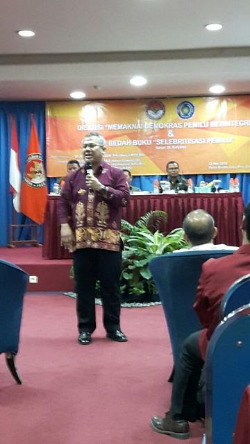 Anggota KPU RI Arief Budiman saat tampil sebagai Nara Sumber(12/05)