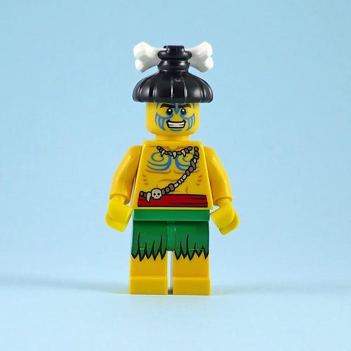 71002 LEGO Minifigures Series 11 05 Island Warrior 04