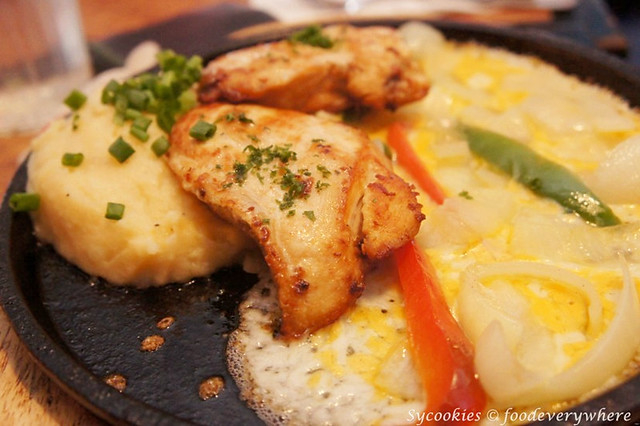 8.sizzling chicken cheese rm31.90 tgif_