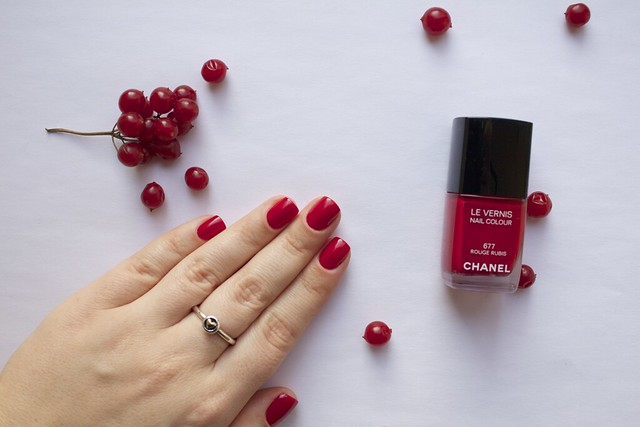 10 Chanel #677 Rouge Rubis swatches