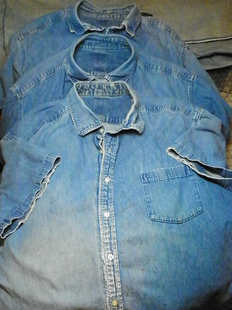 Made Jan 2008, 5.75 yrs ago, washed and worn avg 40 times a year